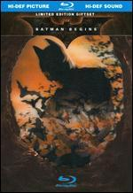 Batman Begins [Blu-ray] [With Book]