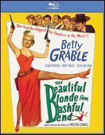 The Beautiful Blonde from Bashful Bend [Blu-ray]
