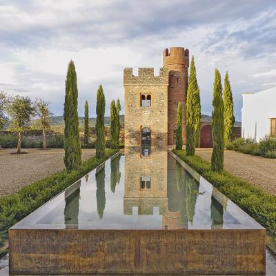 The Spanish Gardens of Javier Mariategui: Gardens for the Senses - Bentley, Mark (Photographer)